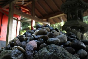 石體神社 安産祈願の小石